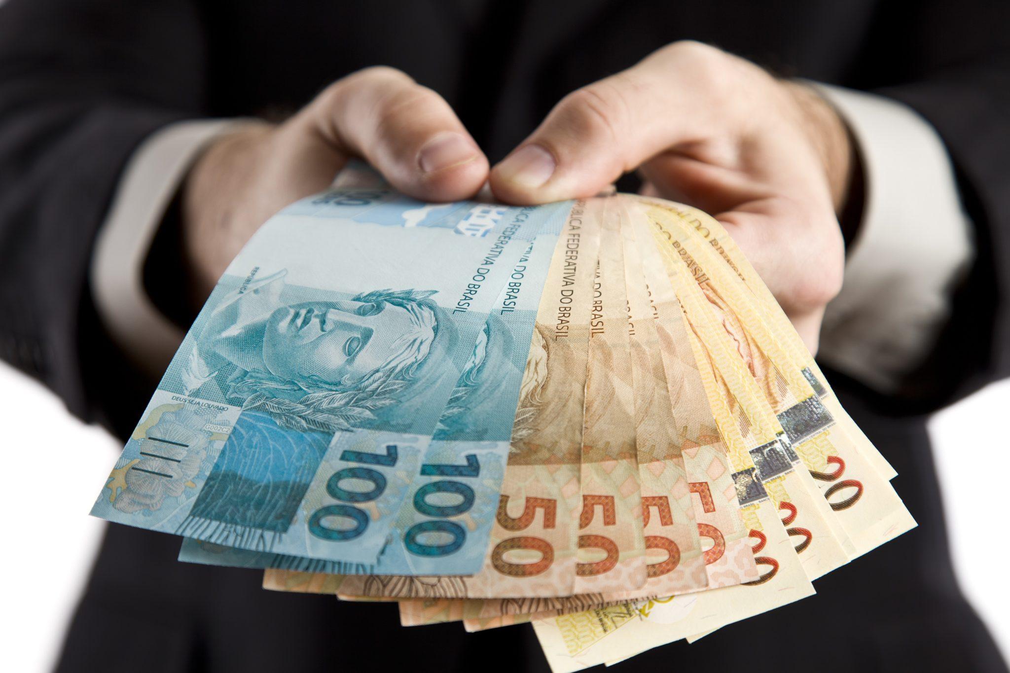 dinheiro-na-crise